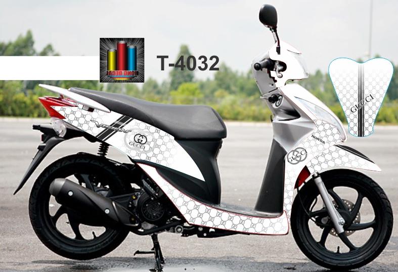 T-4032