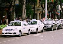 Dán tem xe taxi đủ điều kiện hoạt động