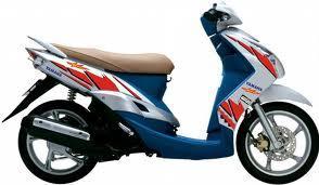 Làm mới xe máy với Decal